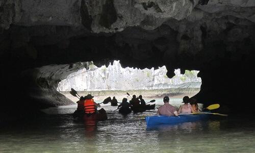 Kajakken Bright Cave - Halong Bay, Noord Vietnam