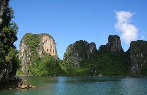 Kalksteen rotsen - Halong Bay, Noord Vietnam