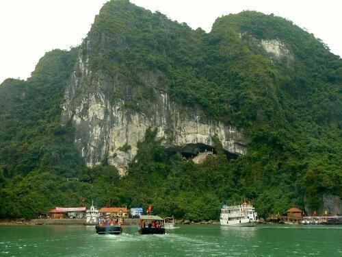 Ingang Sung Sot Cave - Halong Bay, Noord Vietnam