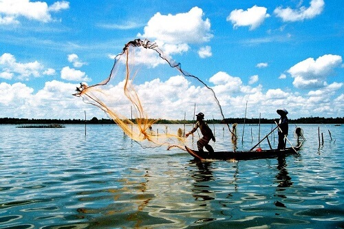 Vissen op de traditionele manier - Hoi An, Midden Vietnam